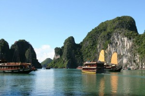 Ha Long Bay – Tuan Chau island 2 days – 1 night