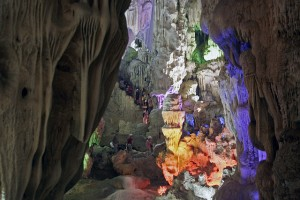 Discovering Dau Go Cave in Ha Long Bay