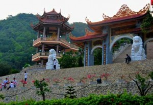 Ha Long Travel- Cai Bau Pagoda