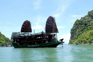 Ha Long Bay on Luxury Imperial Cruise 2 days – 1 night
