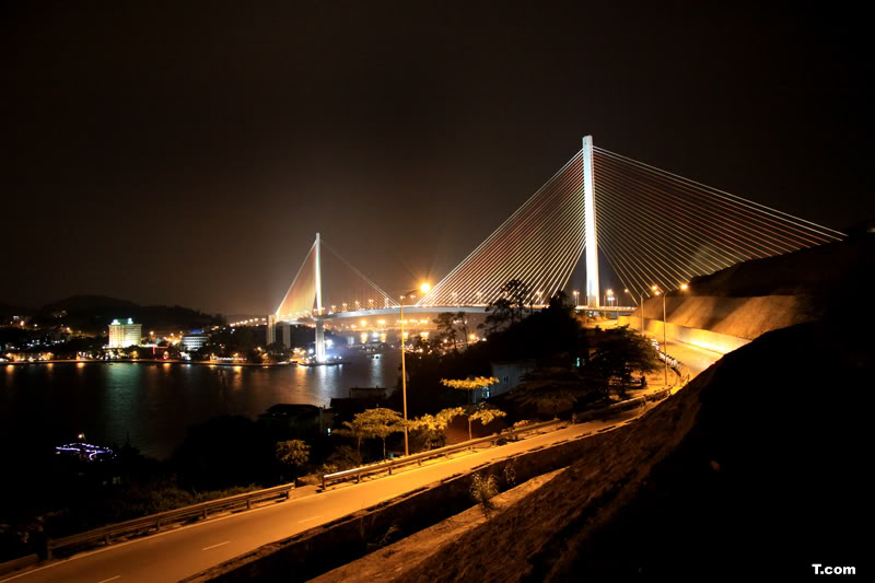 Another-halong-by-night (2)