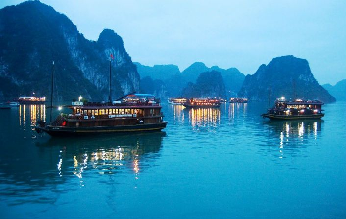 Another-halong-by-night1