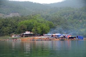 Yen Lap Lake- Loi Am Pagoda