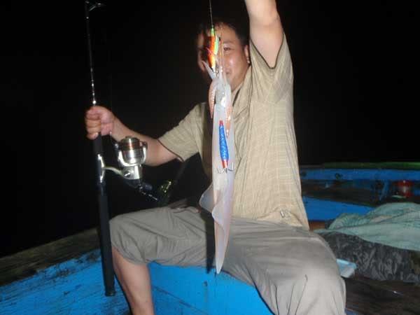 squid-fishing-halong1