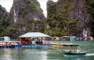 Vong Vieng Fishing Village- Ha Long Attractions