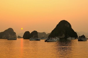 Ha Long Bay Under Club of the Most Beautiful Bays Of the World – Worldbays