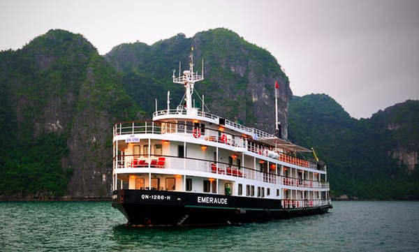 five-star-standard-ha-long-crusies (2)