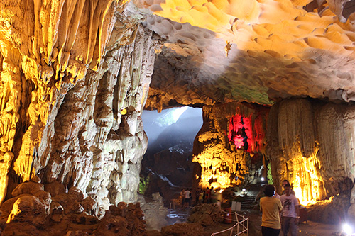sung-sot-cave (2)