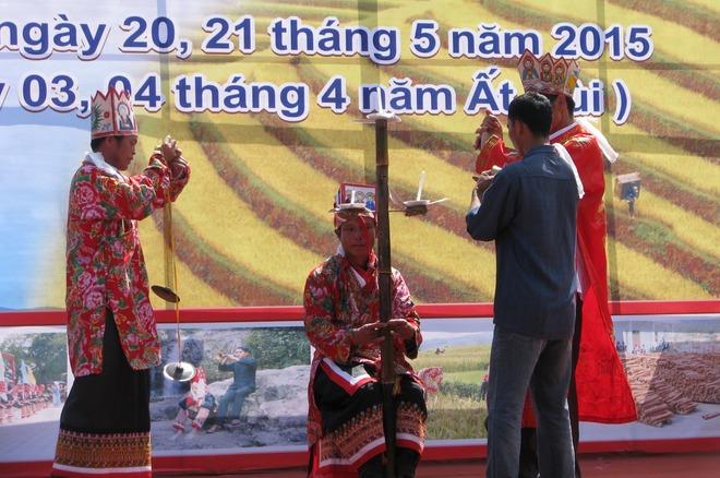 dong-van-love-market (2)