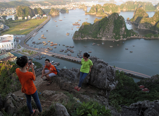 Ha Long Bay Viewed From High Mountains  (4)
