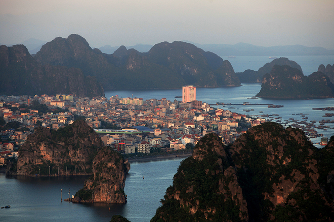 Ha Long Bay Viewed From High Mountains  (6)