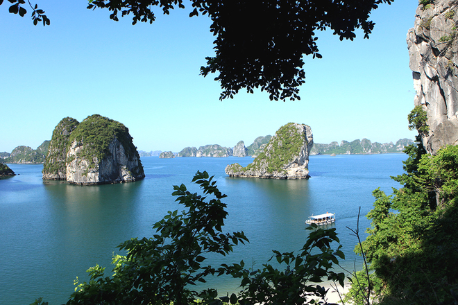 Ha Long Bay Viewed From High Mountains  (8)