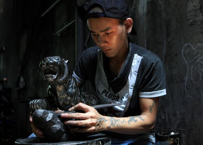 Coal Sculpture Craft In Quang Ninh (1)