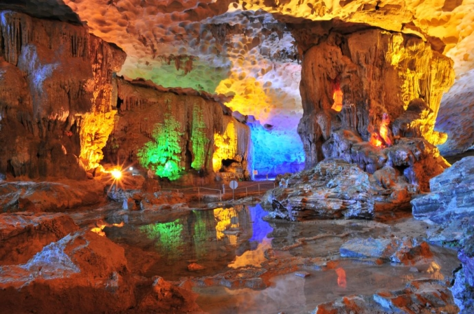 sung-sot-cave-1651