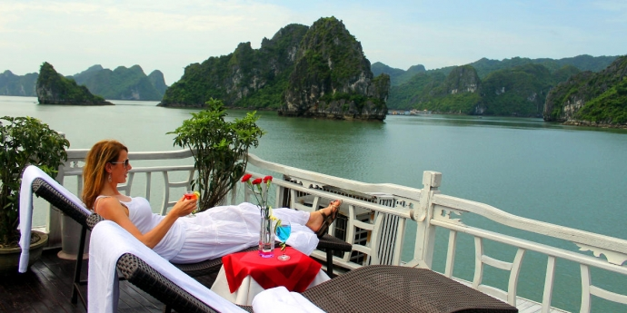 halong-bay-cruises-2-1136