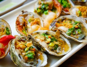 5 must – try foods in Halong Bay