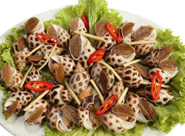 Halong Fried Sea Snails with Chili Sauce