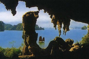 """TRINH NU "" AND ""TRONG"" CAVES IN HA LONG BAY"