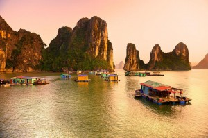 Visit floating villages in Halong Bay