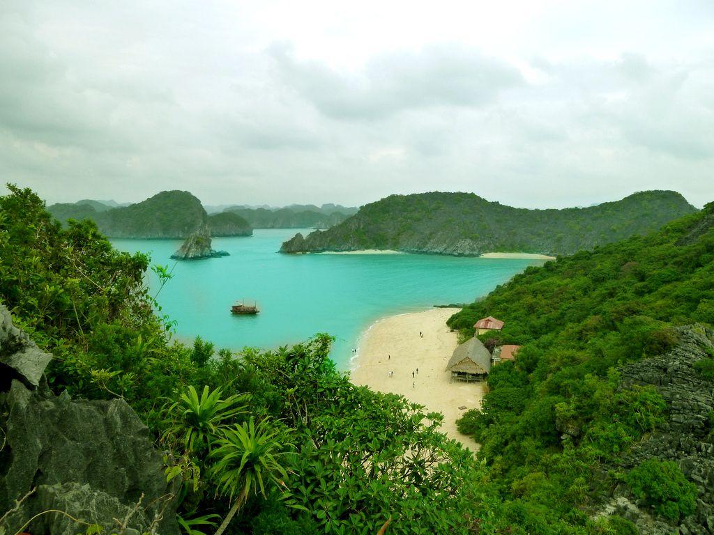 Cat Dua beach in Monkey island