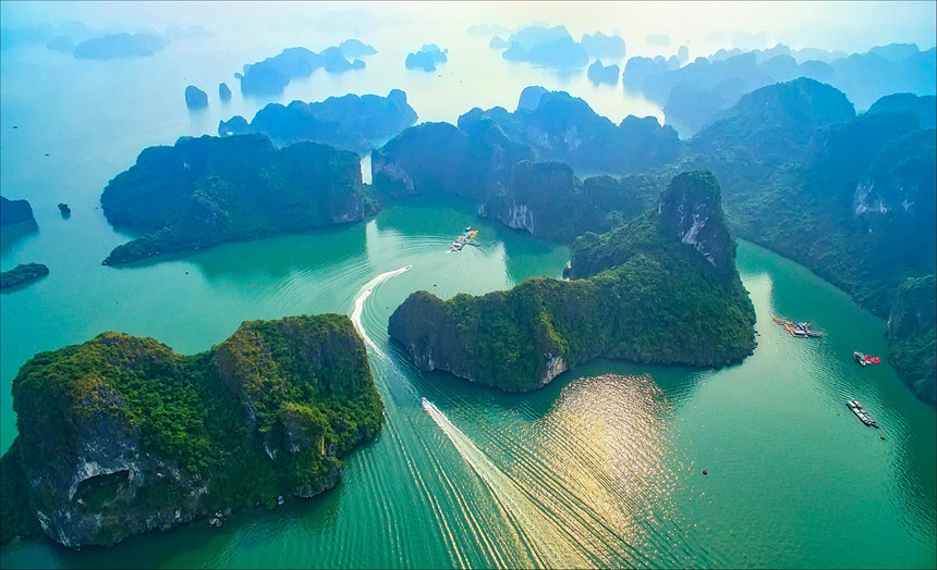 Halong bay-Unesco heritage site in Vietnam