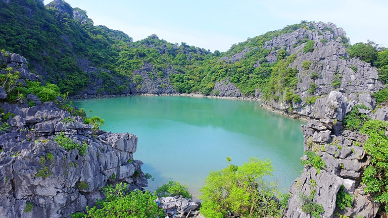 Bai Tu Long National Park