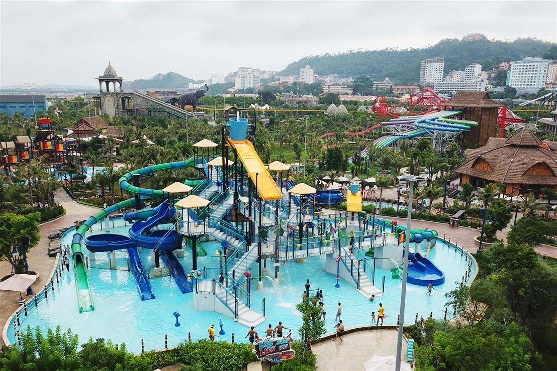 In the Typhon Water park, the family are is not far from children are