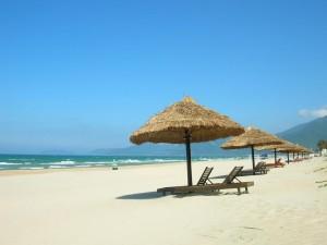 Chay beach in Ha Long