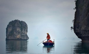 Exploring differences of each season on a Ha Long Bay overnight cruise